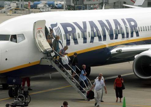 Ryanair veut r duire le nombre de toilettes bord for Interieur avion ryanair